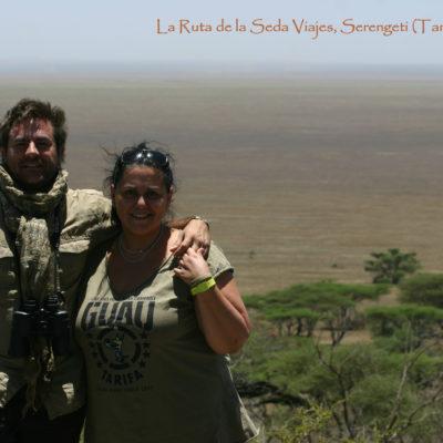 Serengeti, Tanzania: estamos en el paso entre Kenya y Tanzania, a punto de atravesar la inmensa llanura del Serengeti (On top of a Rocky Hill).